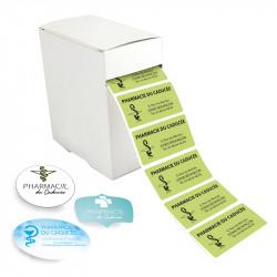 Étiquettes dans boite distributrice